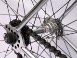 Комплектация и сборка велосипедных колёс.